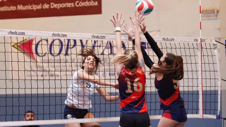 El trío cordobés de la Primera Andaluza de voleibol consolida sus proyectos