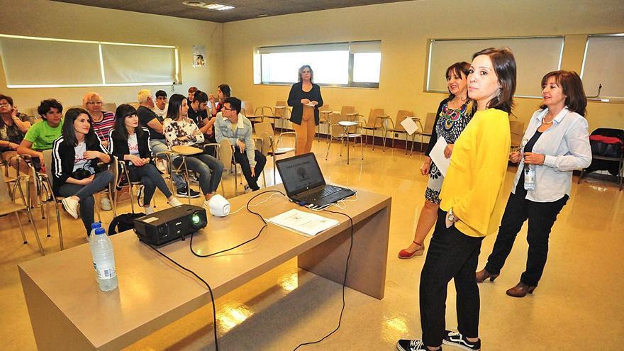 Unos 700 desempleados se forman en la comarca de O Salnés