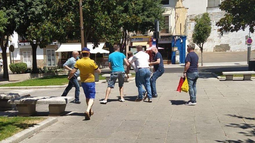 Absueltos el presidente de Vox Badajoz y dos militantes de lesiones en una mesa informativa en Don Benito