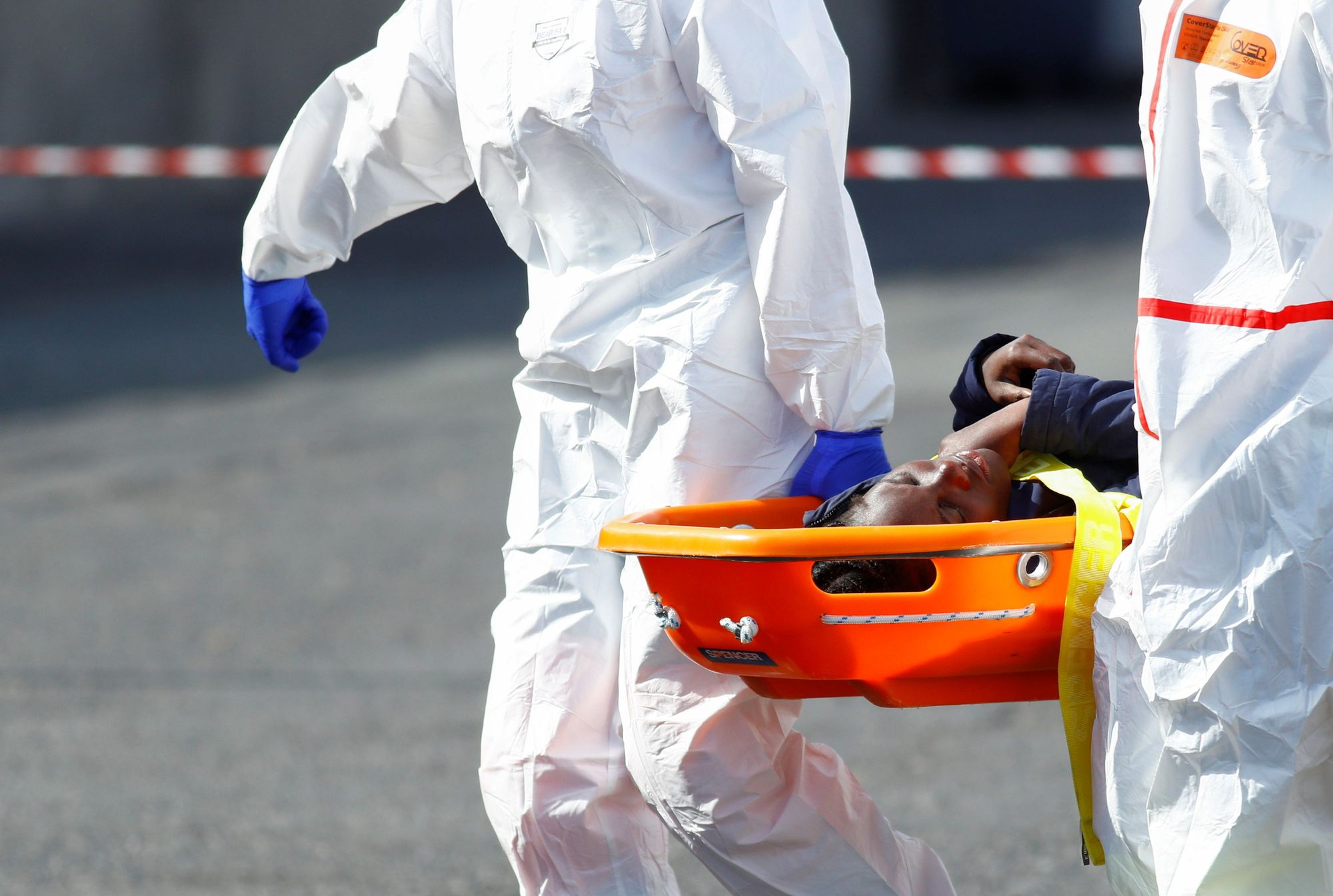 Rescatan una patera con 17 migrantes en aguas cercanas a Gran Canaria (06/04/21)