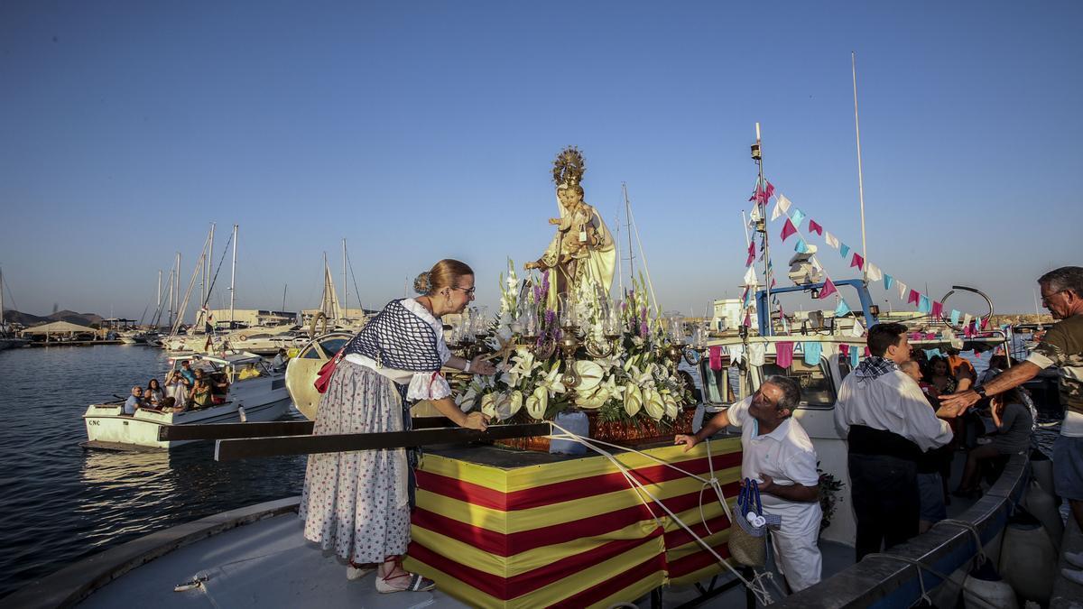Procesión marinera de la Virgen del Carmen de El Campello