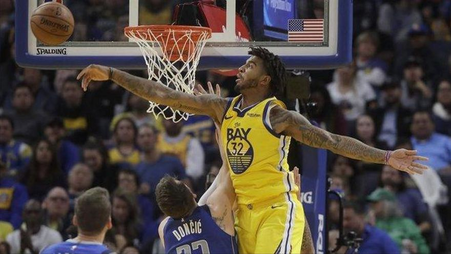 La NBA multa con 35.000 dólares un empujón