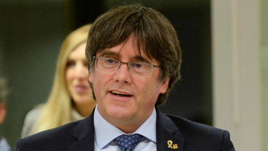 """Puigdemont llama a los independentistas catalanes a """"derrotar al Estado"""""""