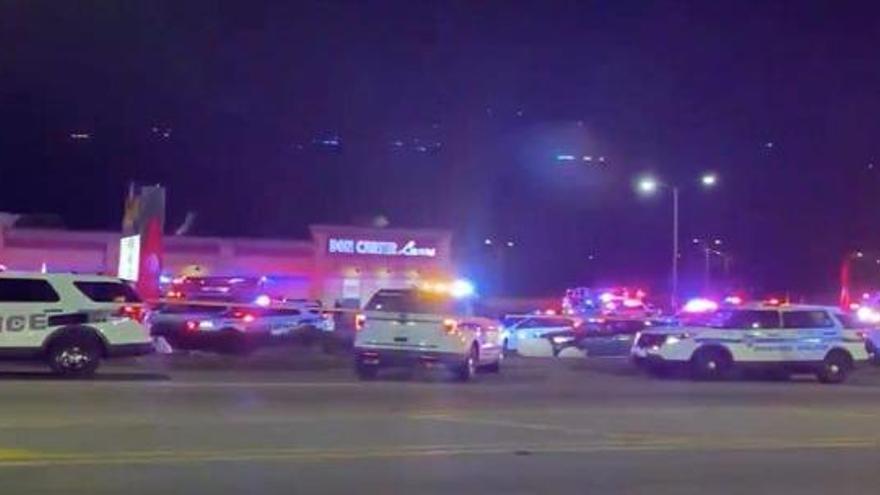 Tres muertos y tres heridos en un tiroteo en una bolera en Illinois
