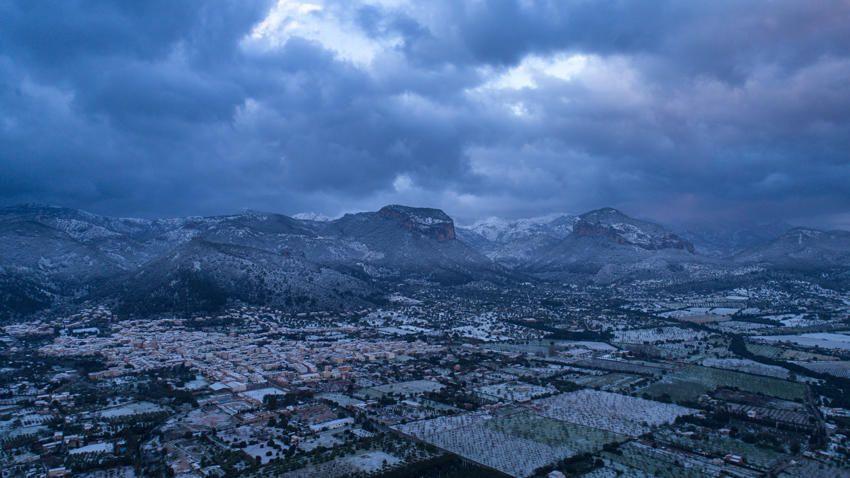 Alaró, 17.01. abends - aus der Luft (Drohnenaufnahme) - vielen Dank für das tolle Foto!