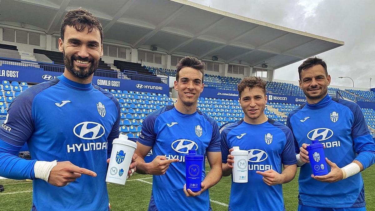Xavi Ginard, Alberto Gil, Armando Shashoua y René Román, en un entrenamiento reciente.  