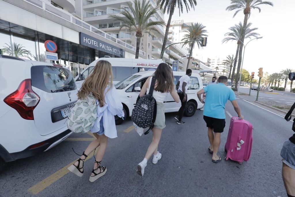 Salen los primeros estudiantes del hotel covid de Palma
