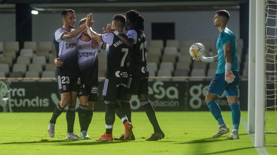 El Cartagena se impone al Real Murcia en el Carabela de Plata (2-0)