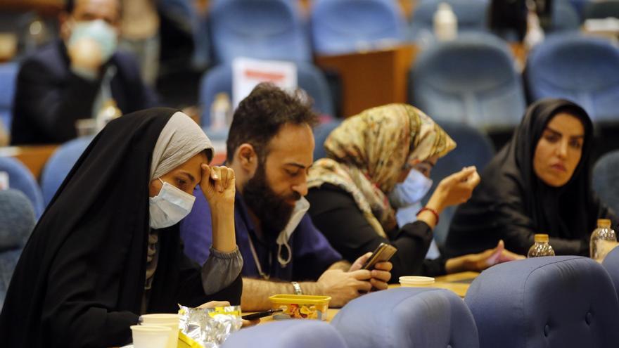 Arranca el recuento de votos en Irán para saber quién será el próximo presidente