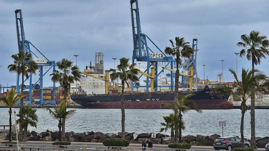 El bulo del falso barco nodriza que solo esperaba su turno para entrar al Puerto