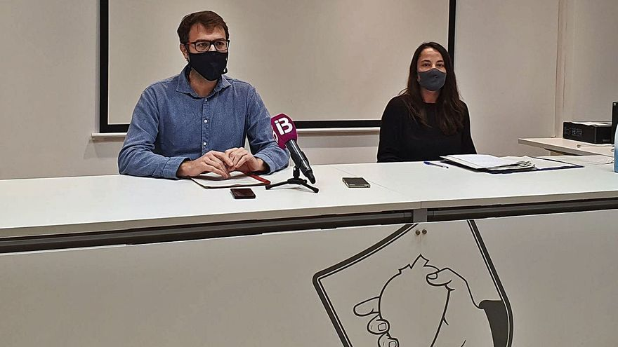 Miquel Oliver y Cristina Capó, ayer en la presentación de los presupuestos de 2021.
