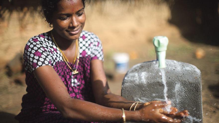 Microcrèdits per accedir a l'aigua potable i apoderar les dones