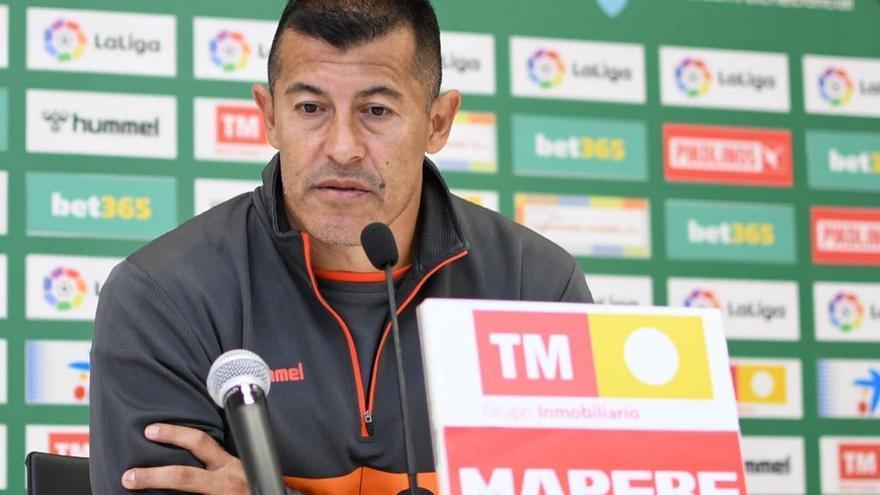 """Almirón: """"El Elche peleará por evitar el descenso hasta el último partido"""""""