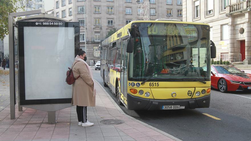 Detenido en Ourense por causar problemas en un bus urbano y tener una orden de ingreso en prisión