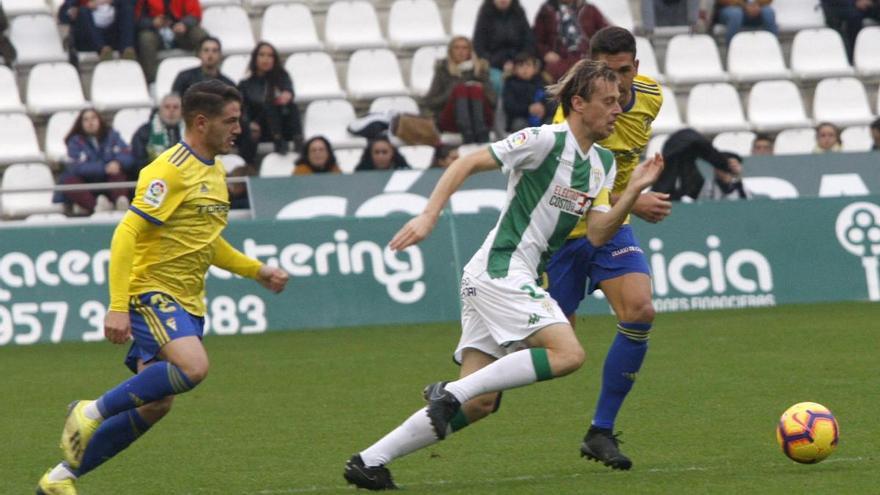 El Cádiz da la puntilla (1-3)