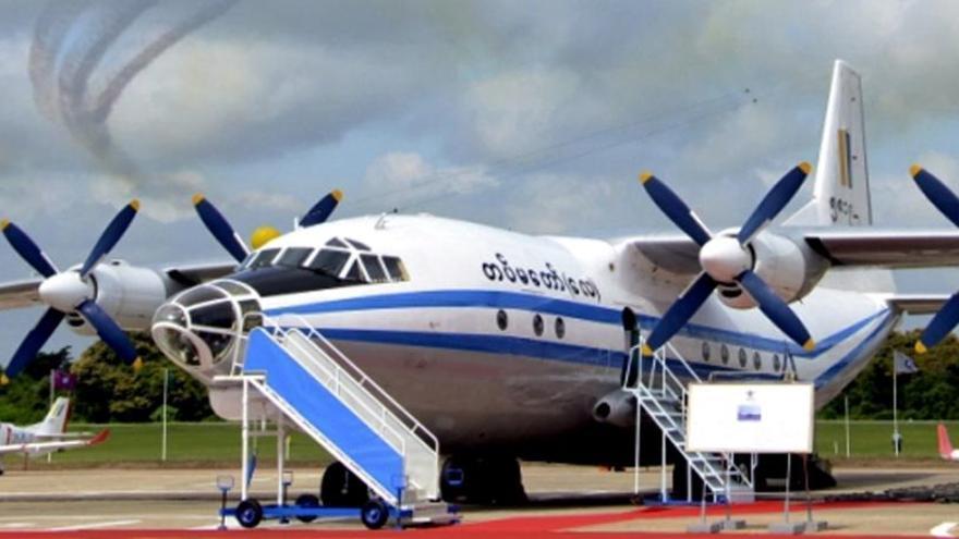 Se estrella un avión militar con 104 personas en Birmania