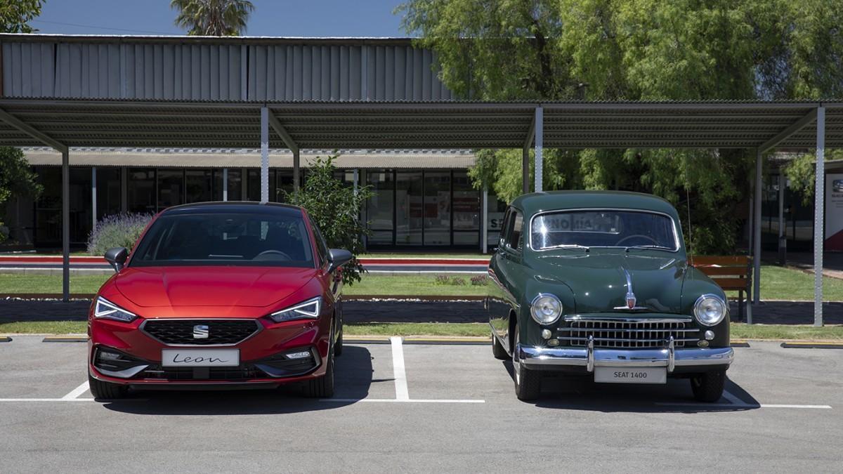 La evolución de Seat comparando el 1400 de 1953 y el nuevo León