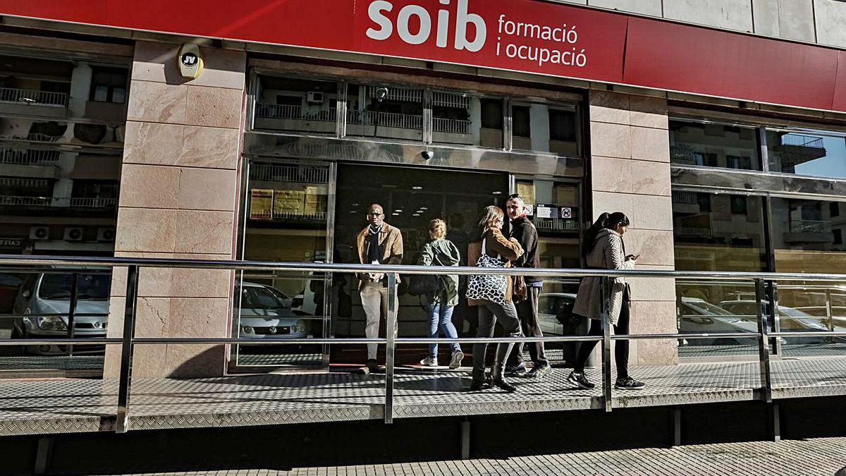Imagen de archivo de una oficina del SOIB en Palma.