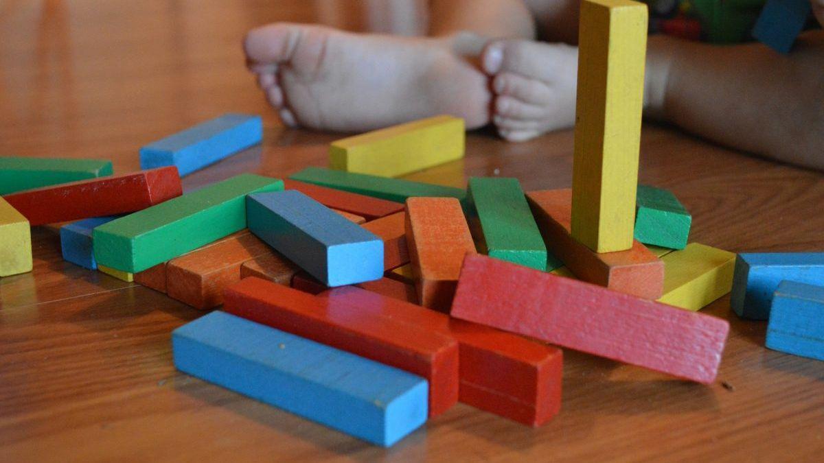 Juguetes de madera para desarrollar la creatividad de los peques.