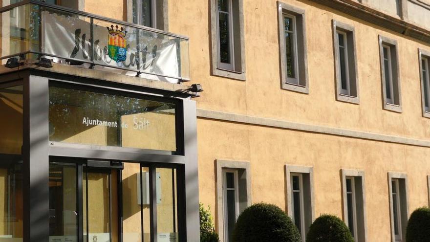Salt suma 250.000 euros al suport al teixit comercial i empresarial
