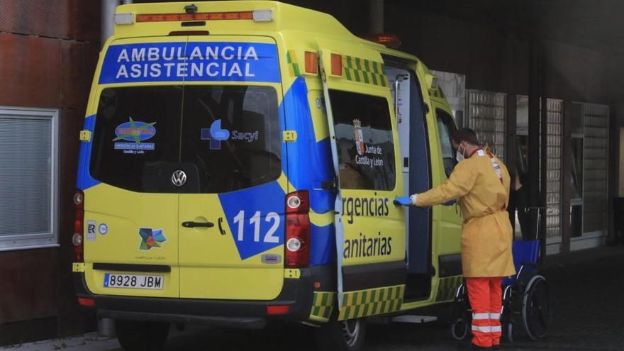 UGT condena la restricción de las ambulancias para usuarios de residencias en Castilla y León