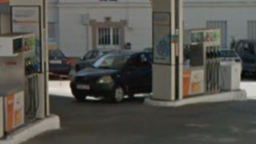 Prisión para un hombre que repostó gasolina cuatro veces en un día en Corcubión