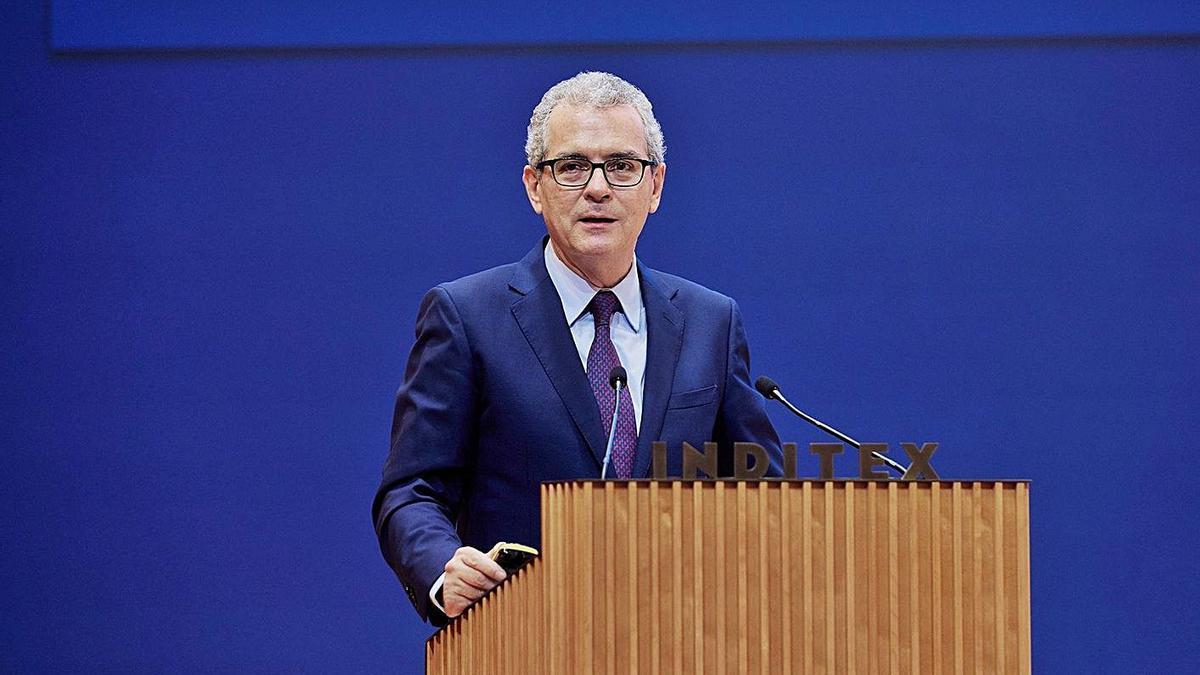 Pablo Isla, durante su intervención ante la junta de accionistas de Inditex celebrada ayer.     // L. O.