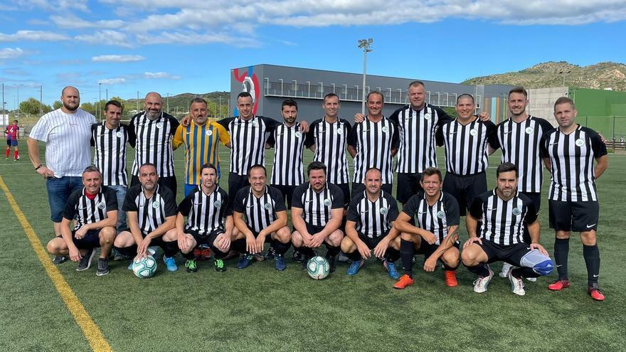 Primeras sorpresas en la liga de fútbol de veteranos de Castellón