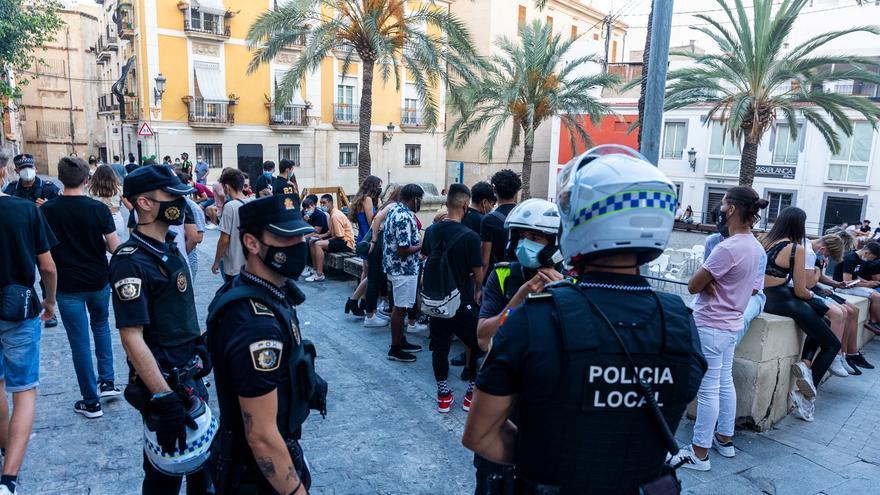 La Policía organiza dispositivos de vigilancia en la provincia para hacer cumplir la normativa en el primer fin de semana sin restricciones