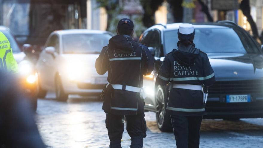 Italia vigilará con 70.000 policías que se cumplen las restricciones en Navidad