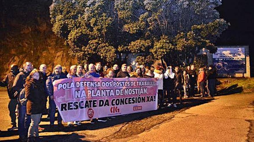 La plantilla de Nostián inicia la huelga e insta al Concello a intervenir la planta