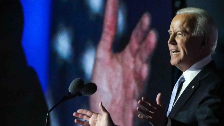 Biden advierte que la situación con la covid-19 va a empeorar