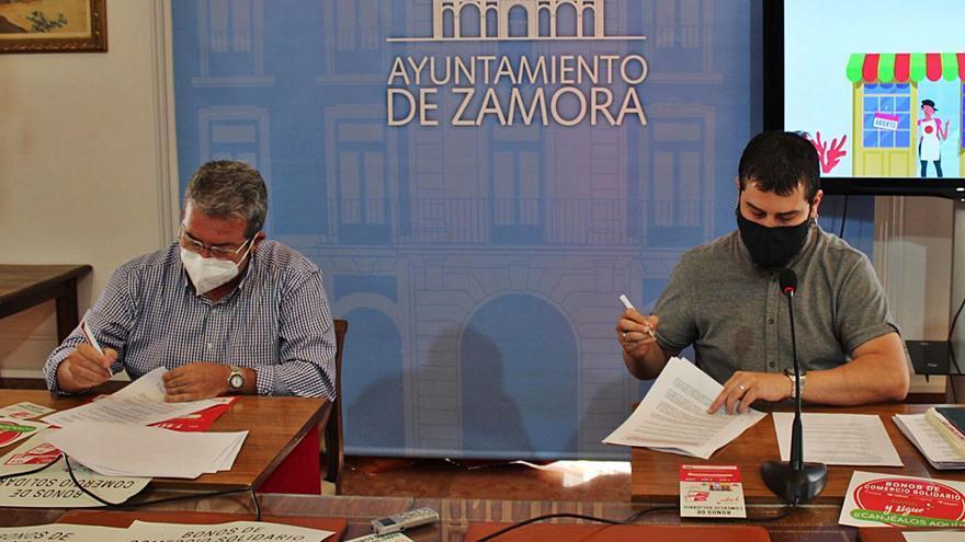 Azeco colabora con el Ayuntamiento de Zamora en el reparto de ayudas a los comerciantes