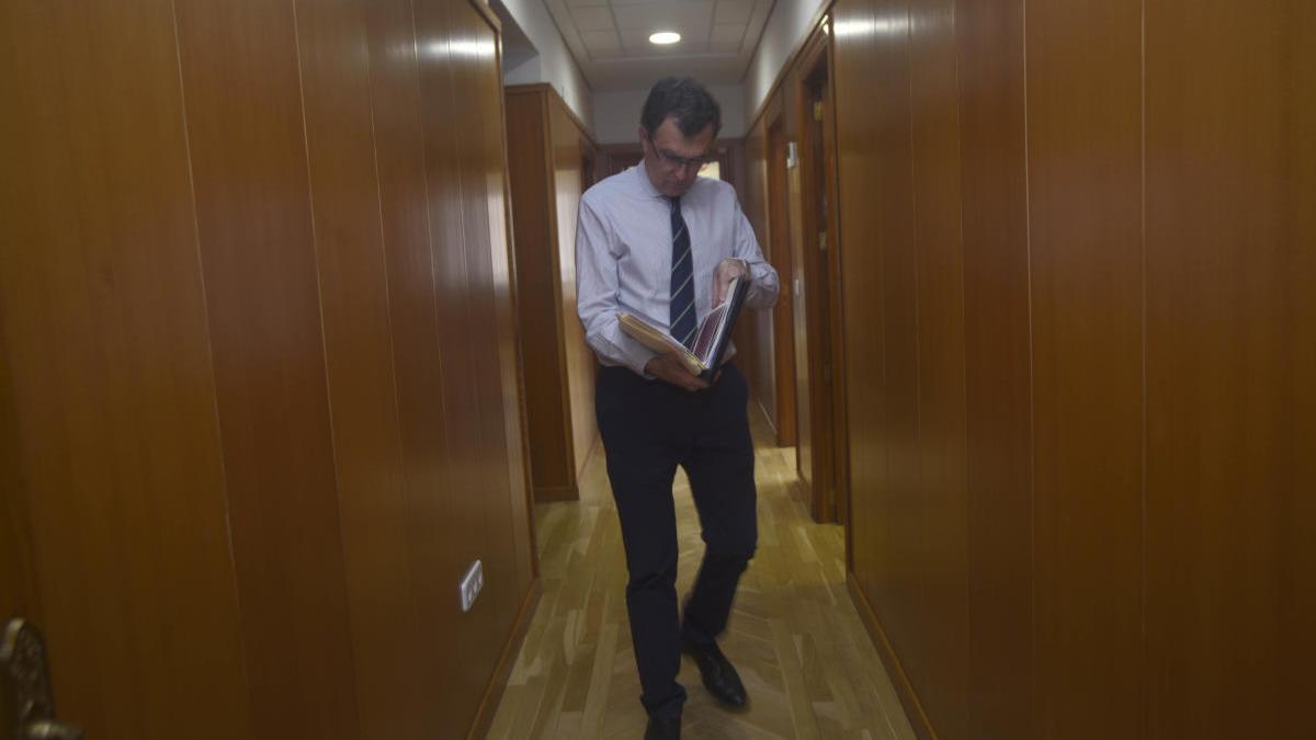 Ballesta deja en manos de su equipo la negociación tras la crisis con Ciudadanos
