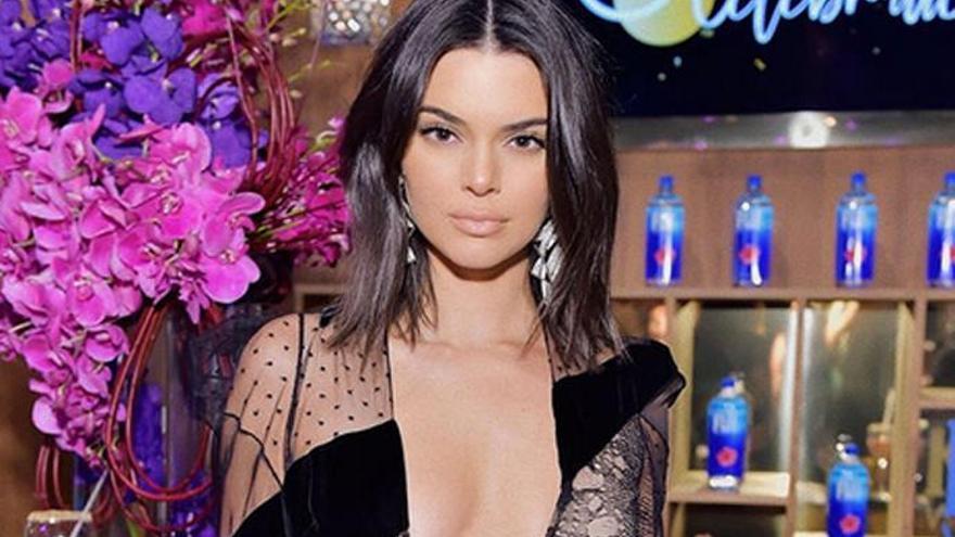"""Kendall Jenner confiesa que sufre """"trastorno obsesivo compulsivo"""""""