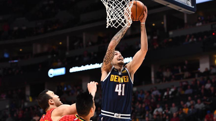 Los Warriors caen ante los Rockets y Hernangómez lidera el triunfo de los Nuggets