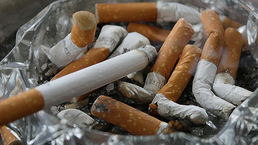 Un hombre se quema el 25% del cuerpo tras rociarse con alcohol y encenderse un cigarrillo