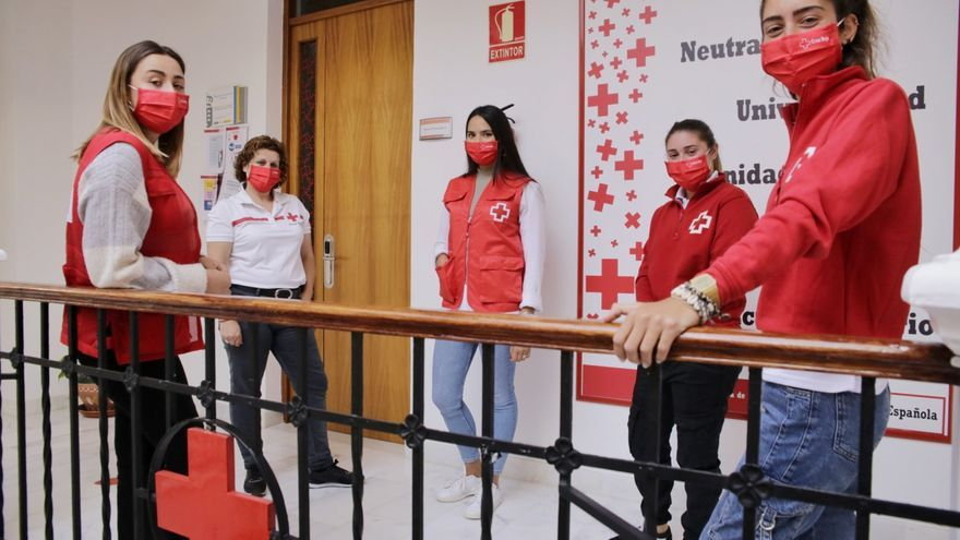 Voluntarias de Cruz Roja (8M)