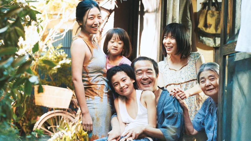ESTRENES | El drama japonès «Un asunto de família», guanyador de la Palma d'Or de Canes, irromp als cinemes