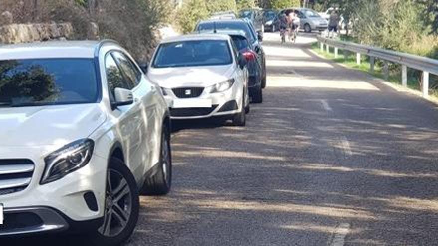 Aufruf an die Wanderer: Bitte lasst das Auto nicht am Straßenrand stehen!