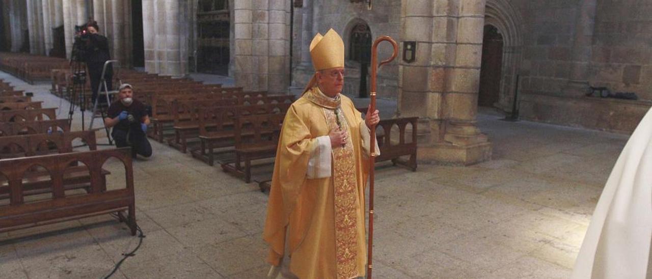 La misa del Jueves Santo sin fieles
