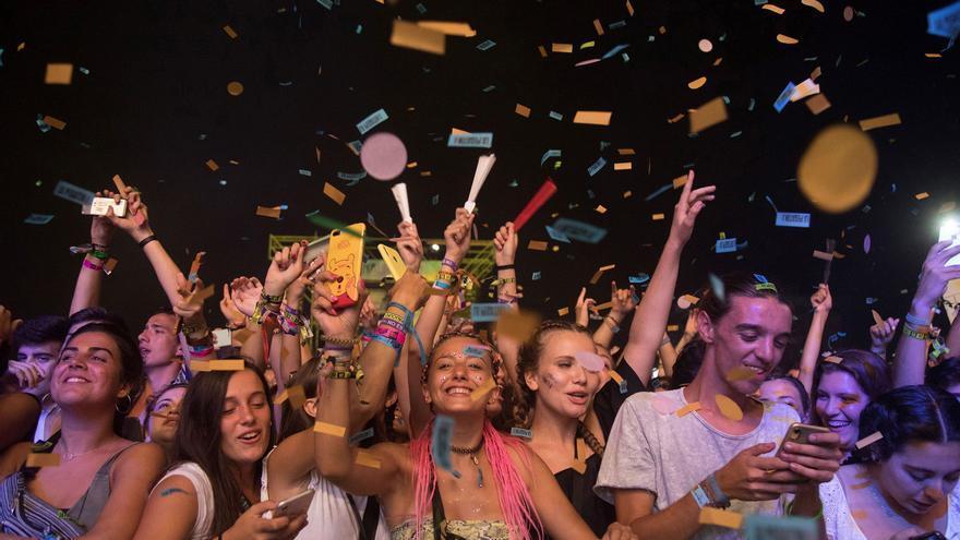 Sanidad estudia aumentar el aforo de los conciertos    y permitir público en pie