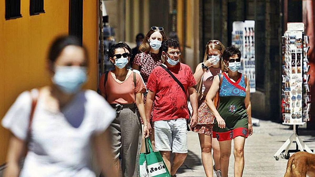 La incidencia en la capital se acerca al millar de casos. | ÁLEX ZEA