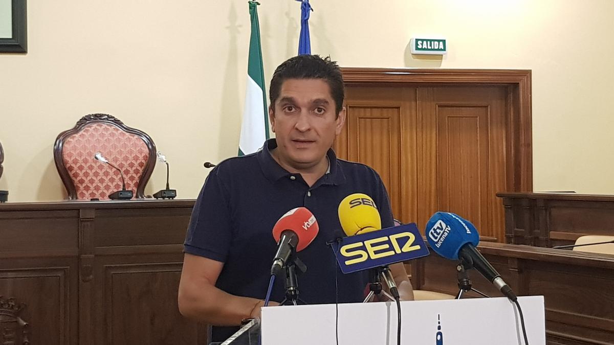 Alberto Lora, durante la rueda de prensa de presentación del programa de subvenciones.