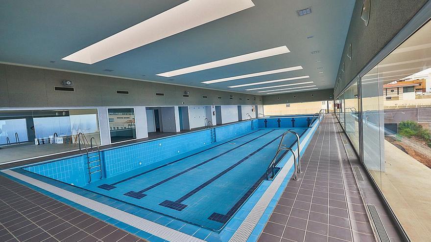 Sin piscina a los 2 años de su construcción