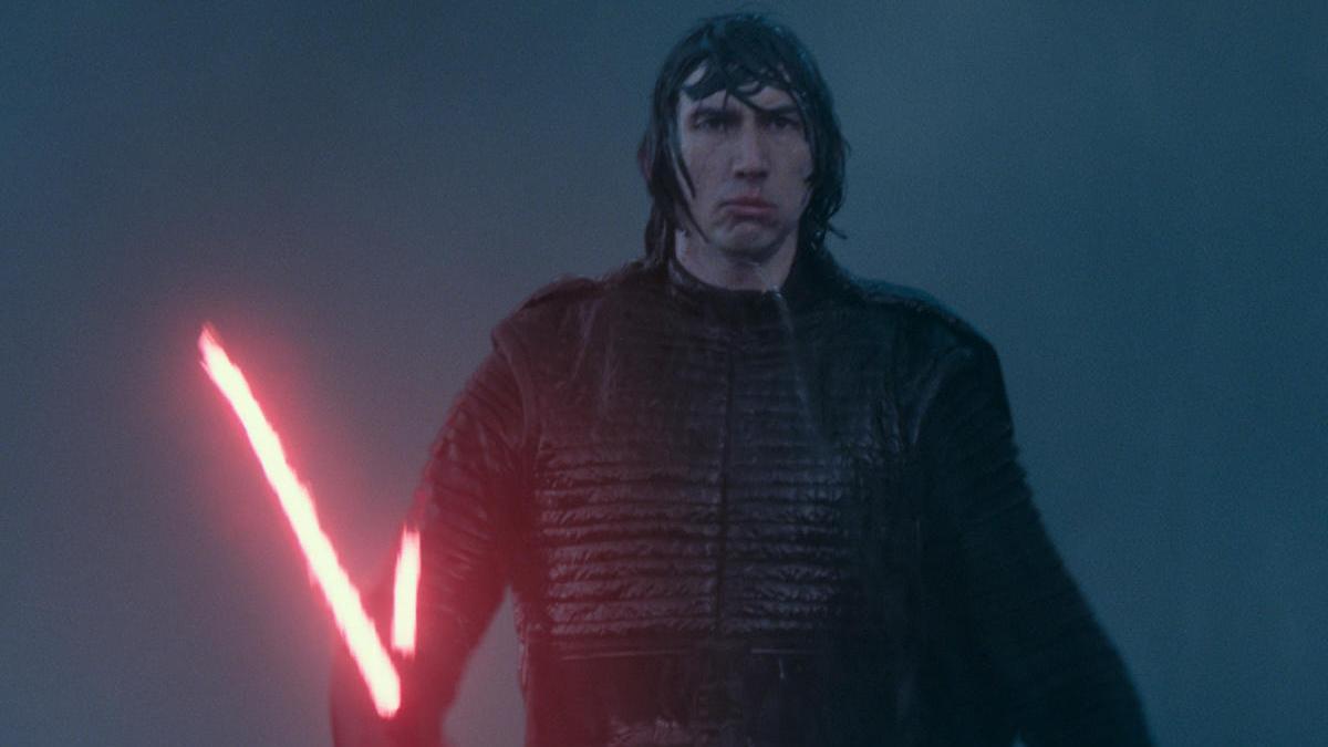 Kylo Ren, con su espada láser.