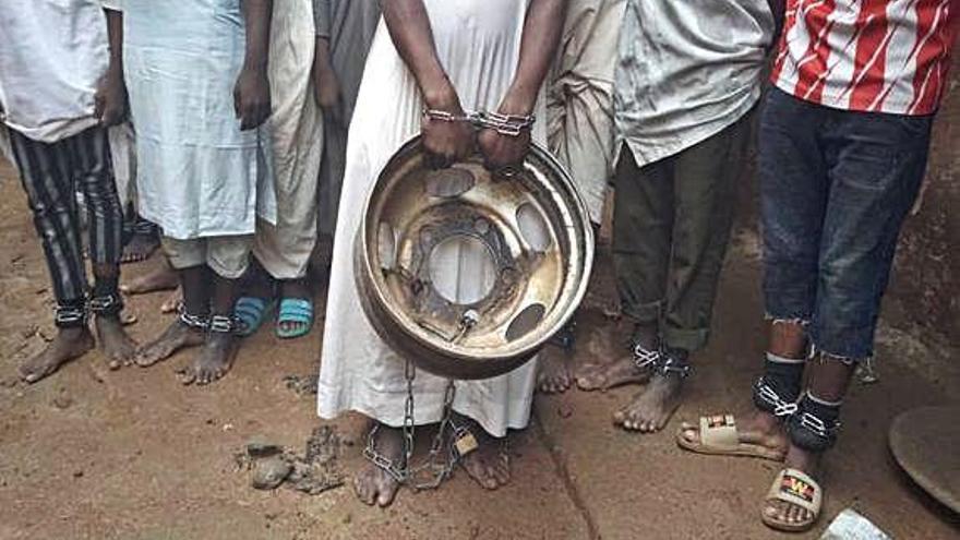 Alliberen 300 persones encadenades en una escola alcorànica de Nigèria