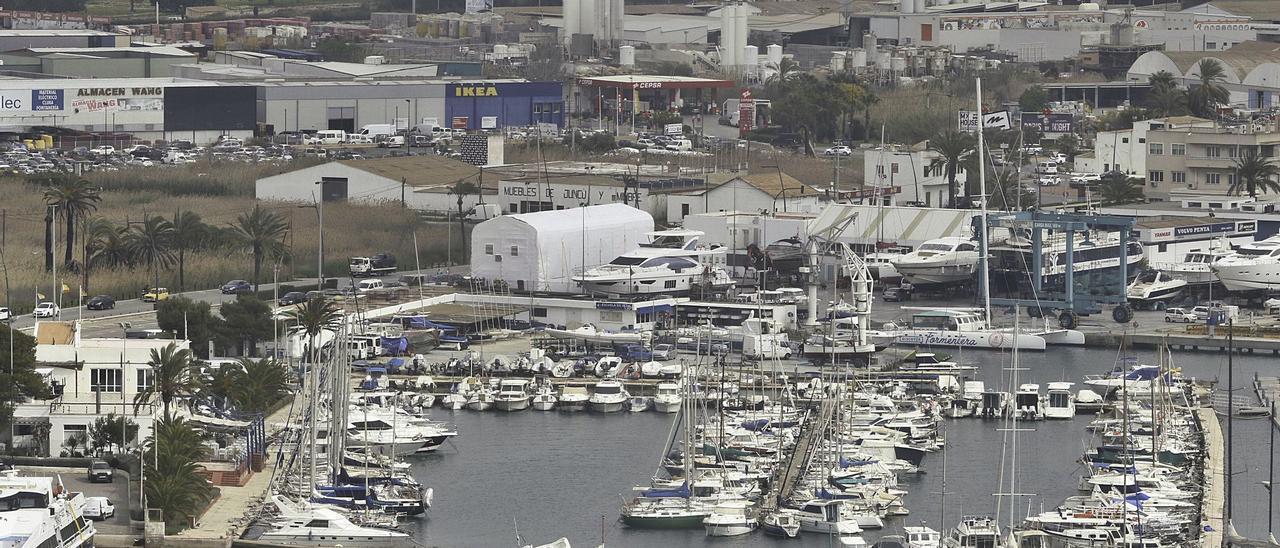 Instalaciones del Club Náutico Ibiza en el puerto de la ciudad.