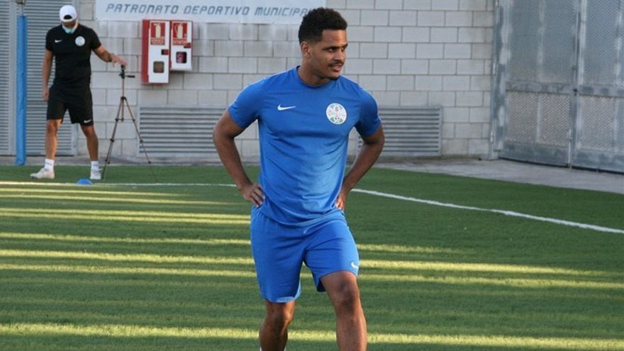 Borja Encada, primer fichaje del Lorca Deportiva