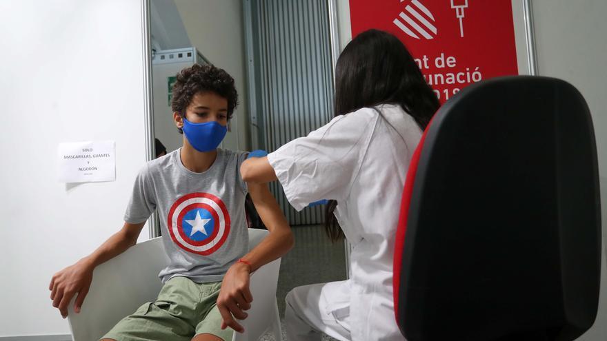 El alumnado vacunado que sea contacto estrecho podrá ir a clase